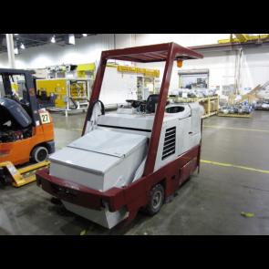 POWER BOSS TS/82 Floor Scrubber