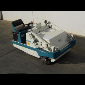 TENNANT 242E 36V Floor Sweeper
